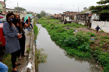 Programa Favela com Dignidade chega à Vila Sapê, em Curicica